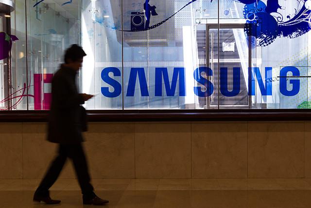 Доля Samsung на российском рынке упала на треть после бойкота со стороны ритейлеров