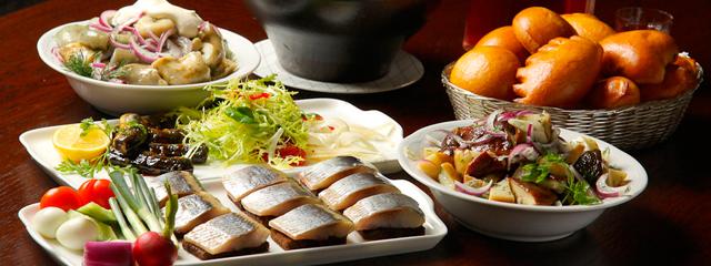 В российских кафе и ресторанах хотят ввести лимит на иностранные блюда