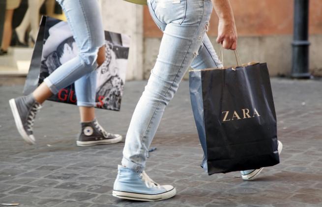 Fashion-дайджест: махинации с брендом Zara в Крыму и новое назначение Рафа Симонса