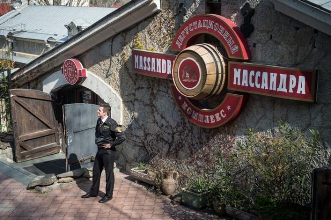 Виноделы Крыма просят ограничить импорт европейского алкоголя
