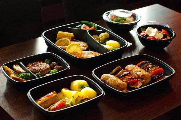 Ресторатор Новиков привлек партнеров в сервис «Флайфуд»