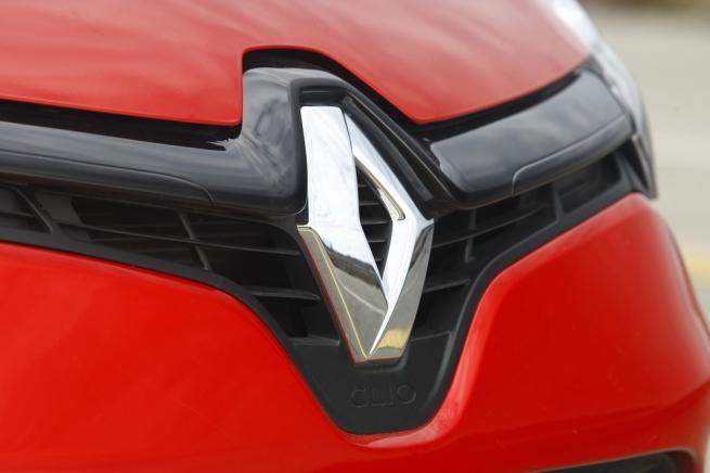 Компания Renault повысила цены на все модели, представленные в России