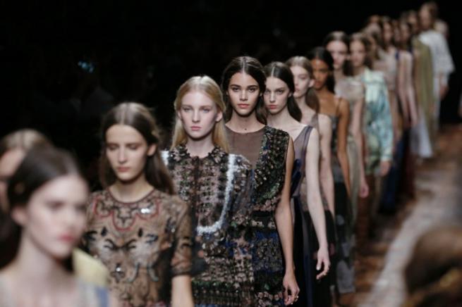Fashion-дайджест: контроль над ЦУМом и двойная выручка Valentino