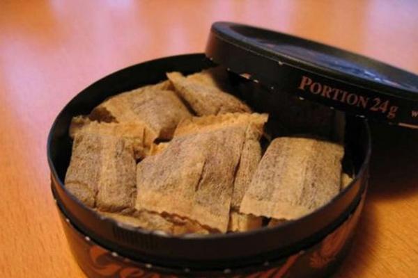Госдума может запретить продажу жевательного и нюхательного табака