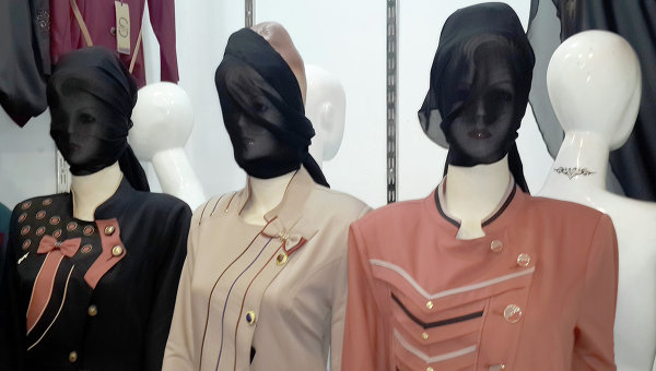 В Ираке владельцев магазинов обязали закрывать лица манекенов вуалью