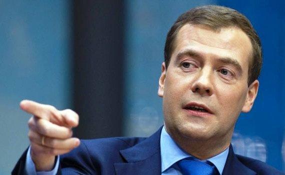 Медведев будет лично проверять магазины