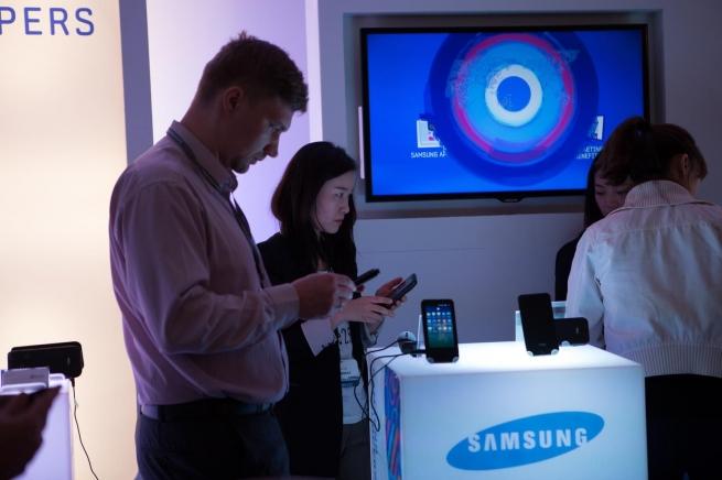 Samsung презентует новый смартфон в Москве