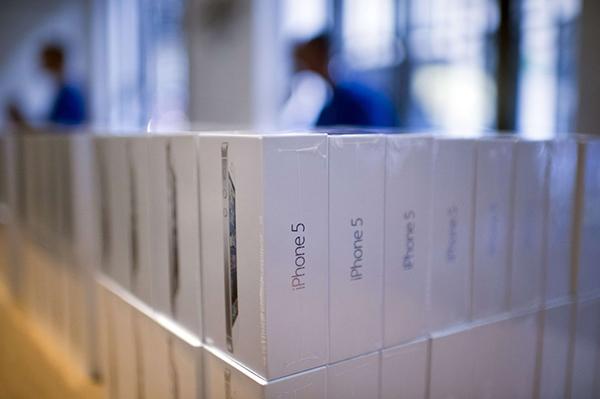 Компания Apple опровергла слухи о прекращении поставок в Россию