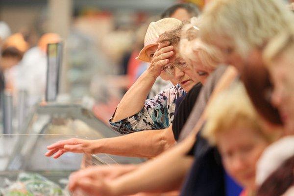 В России продолжают дешеветь продукты