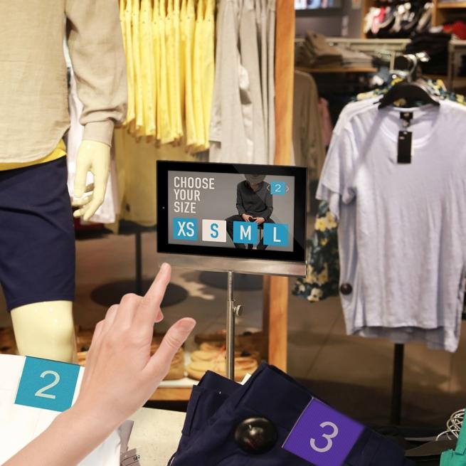 Продавцов в магазинах сменят электронные консультанты