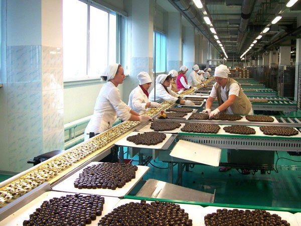 Украина приостановила импорт российских сладостей