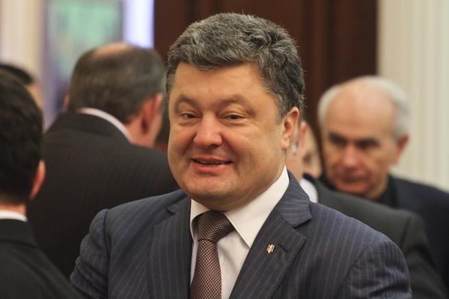 Владелец Roshen уверенно побеждает на президентских выборах на Украине