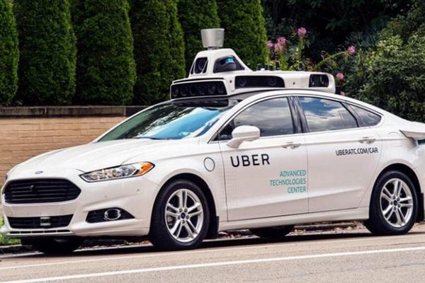 Uber отменил испытания беспилотных авто после смерти пешехода