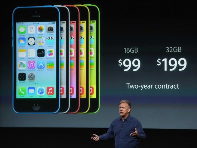 Apple на три четверти сокращает производство iPhone 5C