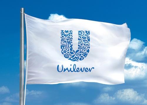 Unilever решила приобрести компанию Honest Джессики Альбы за $1 млрд