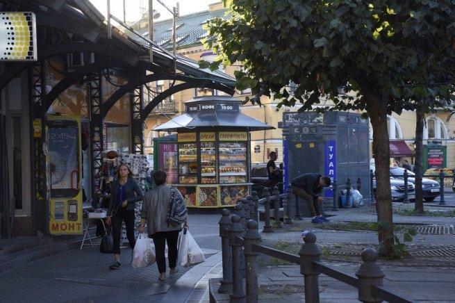 Смольный: 60 магазинов икафе наСенной могут снести