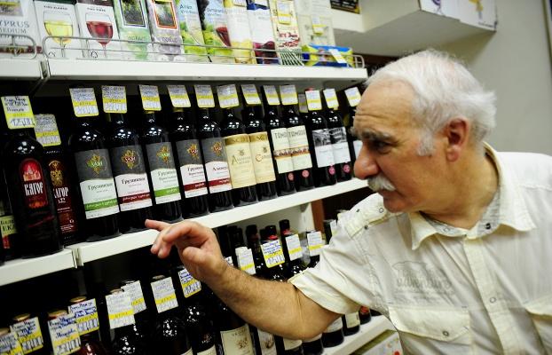 За нелегальный алкоголь хотят наказывать как за фальшивомонетничество