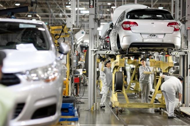 Завод Peugeot Citroen в Калуге приостановит производство с 27 апреля