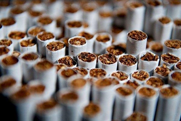 Минздрав предложил обезличить пачки сигарет в рамках новой ЗОЖ-стратегии