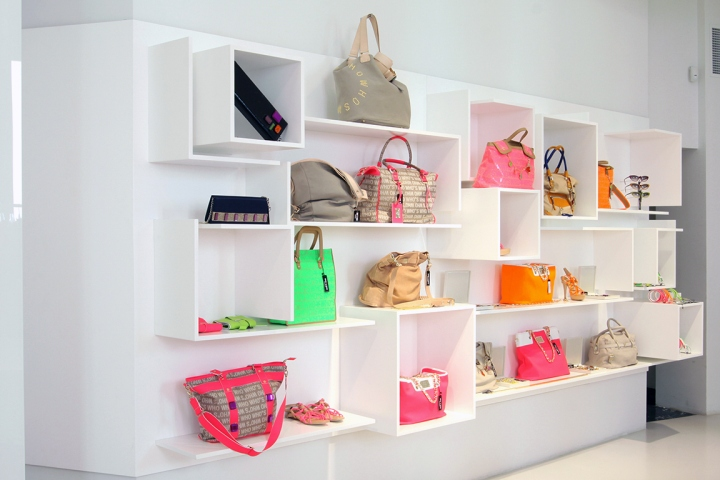 WHOS-WHO-showroom-by-Xarq-Milan-Italy-05.jpg