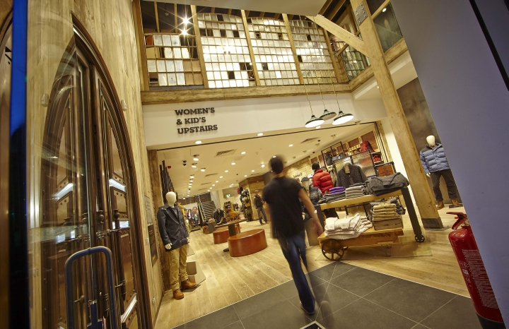 Timberland-flagship-store-by-Green-Room-Glasgow-UK-03.jpg