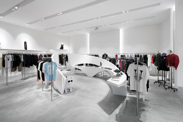Самые стильные магазины недели: изящные кривые и торжество формы