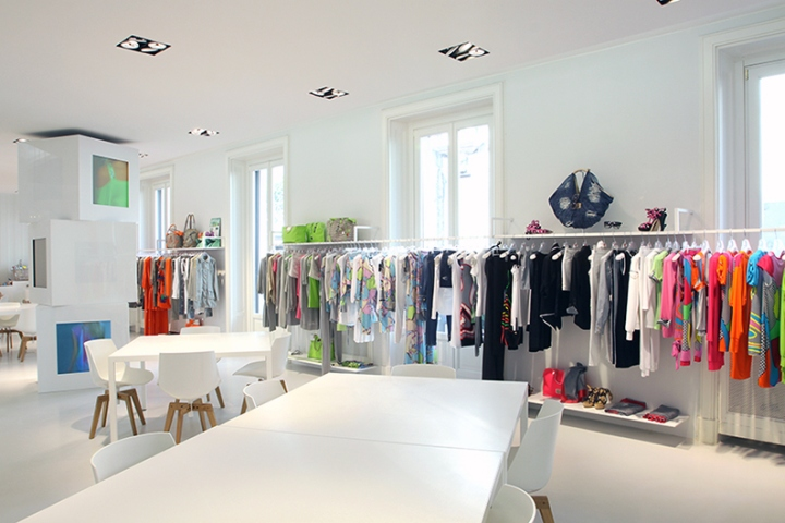 WHOS-WHO-showroom-by-Xarq-Milan-Italy-04.jpg