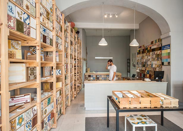 02_New-store-in-Lisbon-continues-a-family-business-by-Cortico-and-Netos_dezeen_784_2.jpg