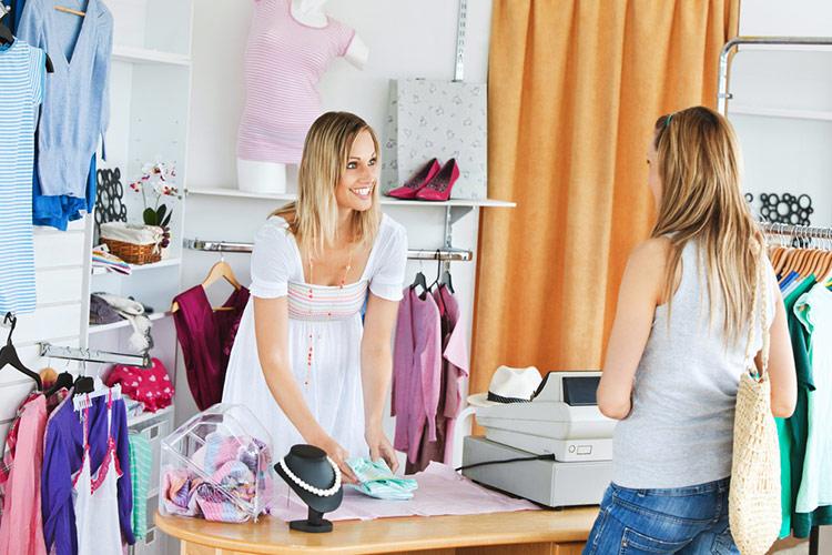 d68ac118f34e Очереди у касс – убийцы бизнеса  как по-новому организовать оплату в магазине  одежды