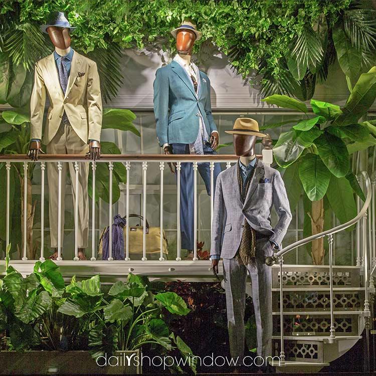 Самые стильные витрины мира: весенняя прогулка по модным джунглям