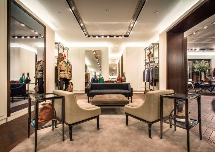 Burberry-flagship-store-Shanghai-China-05.jpg