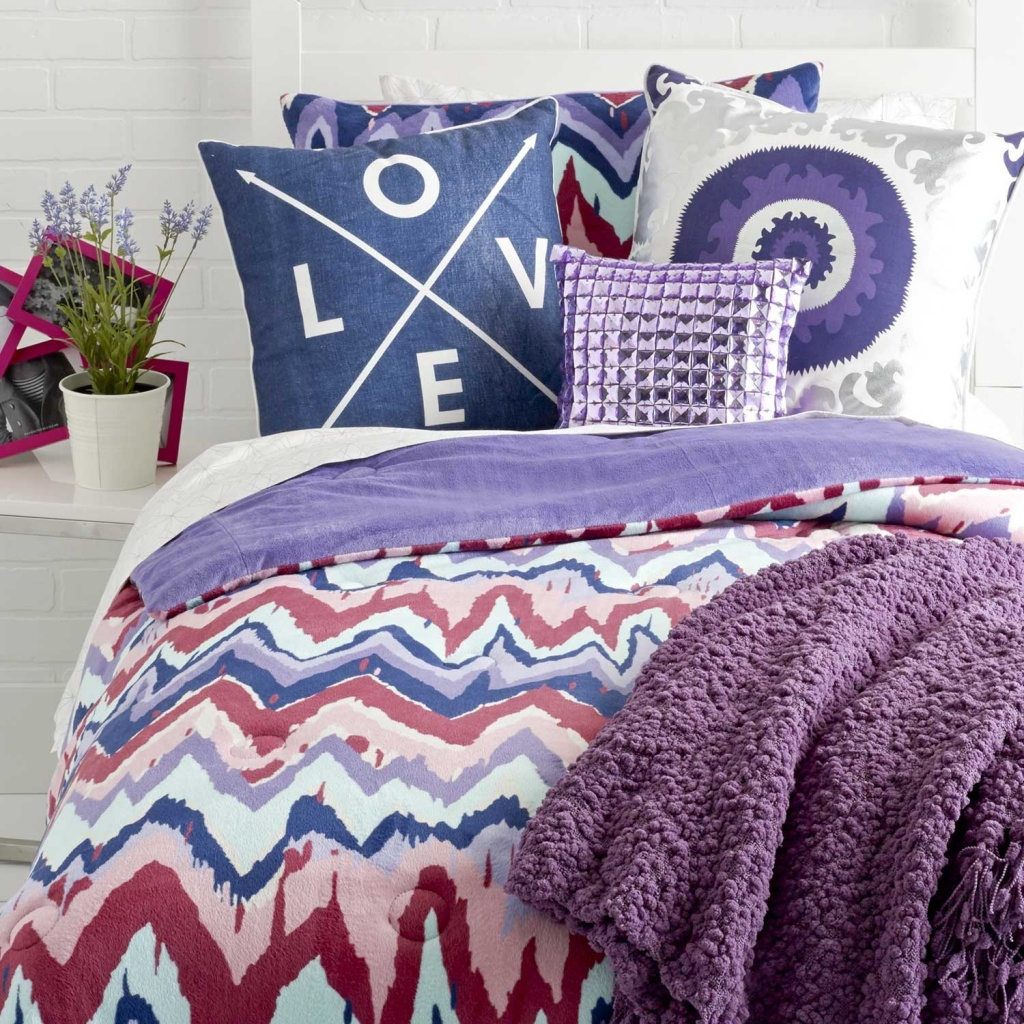 dormify_spr13_paintica_chevron_purple_reign_19875_7.jpg