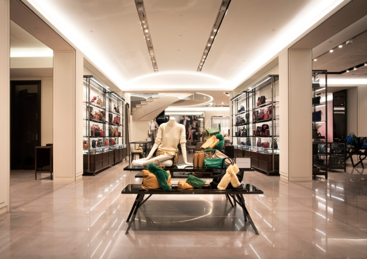 Burberry-flagship-store-Shanghai-China-09.jpg