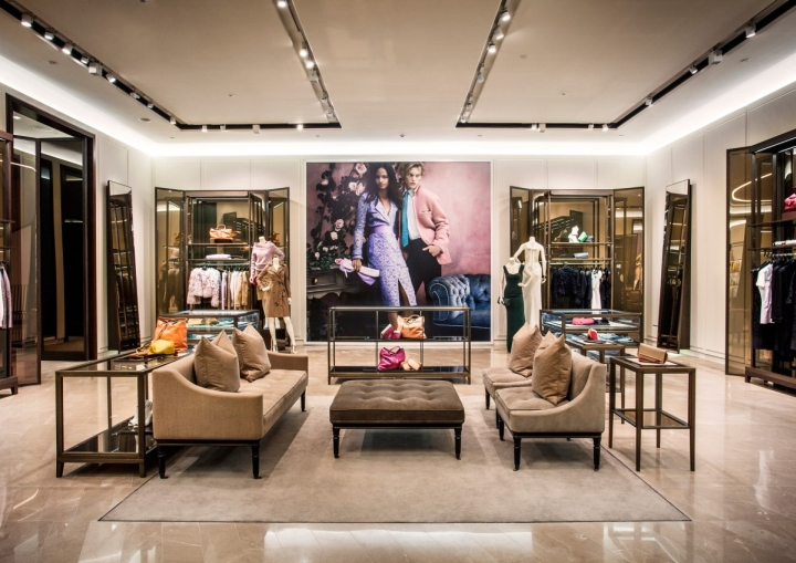 Burberry-flagship-store-Shanghai-China-04.jpg