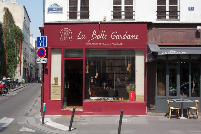 paris_1438_la_botte_gardiane_4fd082b3598bd70001000f7a_store_main_new.jpg
